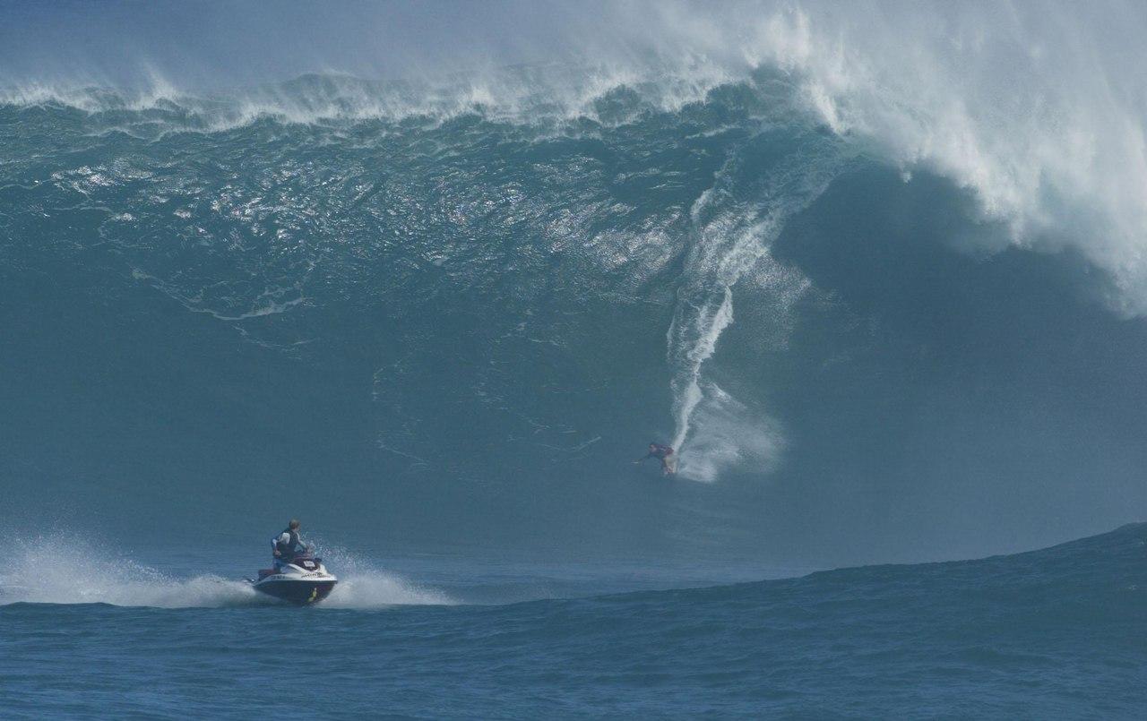 Mavericks Surfing