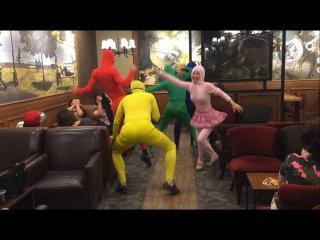 Showry (쇼리) - 쇼리 & 고딩의 위글위글 WiggleWiggle | Flash mob