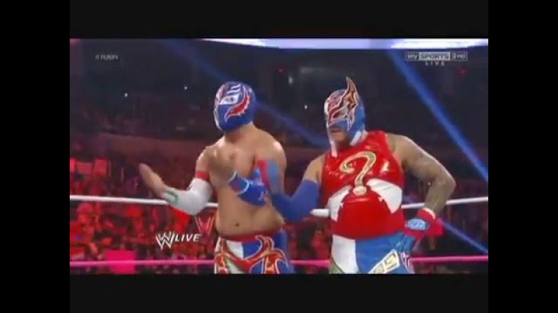 Rey Mysterio and Sin Cara vs Primo and Epico