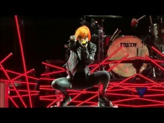 Fast In My Car »  Paramore Live at Voodoo Music Festival New Orleans 2013