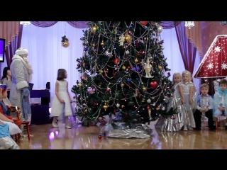 Новогодний утренник в детском саду. Настоящий Дед Мороз.