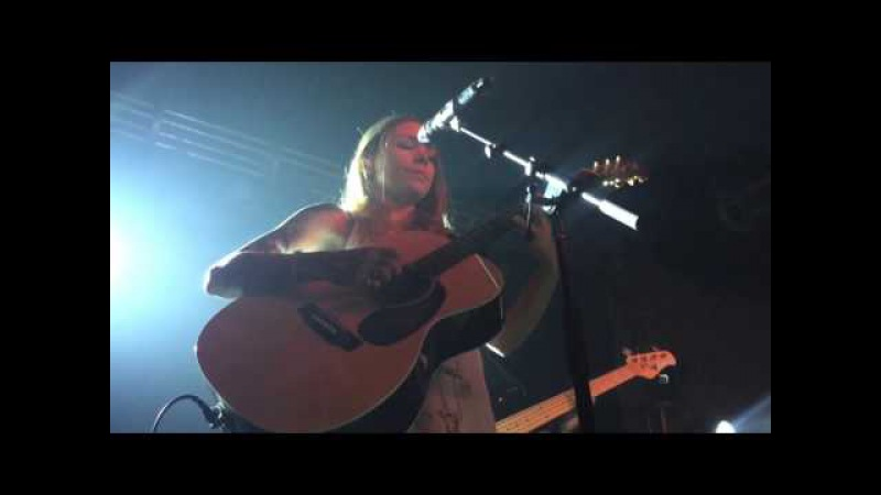 Moving Mountains (Live at 3rd Lindsley) - Skylar Grey