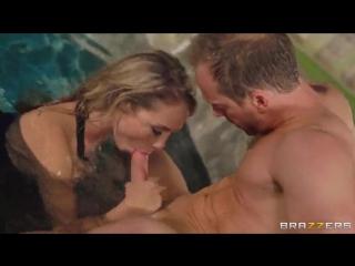 Charlee monroe порно в бассейне