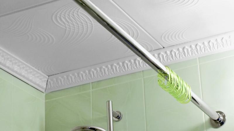 Установка карниза для шторы в ванной