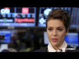 Alyssa Milano Routines can hurt, limit you l 2016