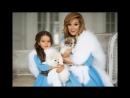 Ксения Бородина и Маруся в одинаковой одежде