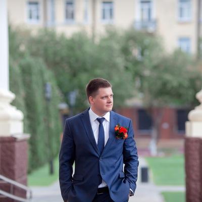 Влад Романенков