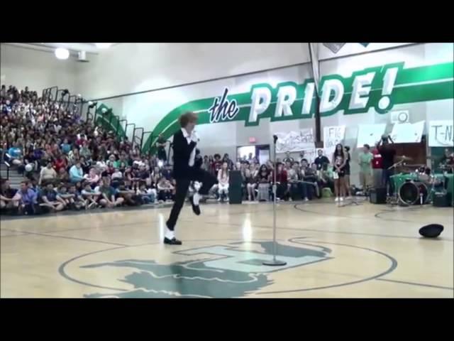 Teen Destroys Talent Show With Michael Jackson's Billie Jean - Incredible Moonwalk