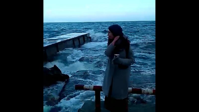 про то, как Дадиомова на море смотрела