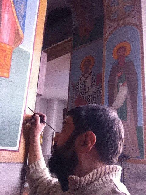Оренбуржский казак Александр Бутин реставрирует икону
