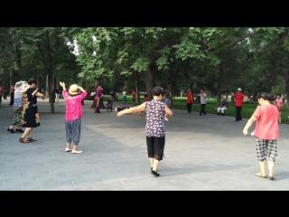 китайские бабушки и дедушки в 8 утра