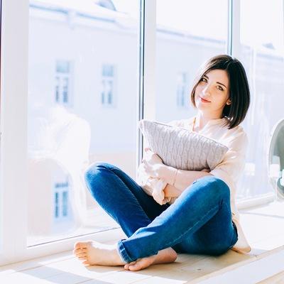 Анна Штарликова
