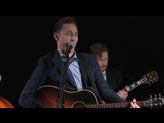 "Tom singing Hank Williams' ""Why Don't You Love Me"" at the Nashville premiere"