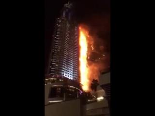 Горит небоскреб в Дубае на Новый год!