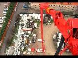 Самый высокий пожарный  подъемник в мире — 112 метров.