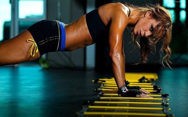 Супер-упражнения для упругой груди