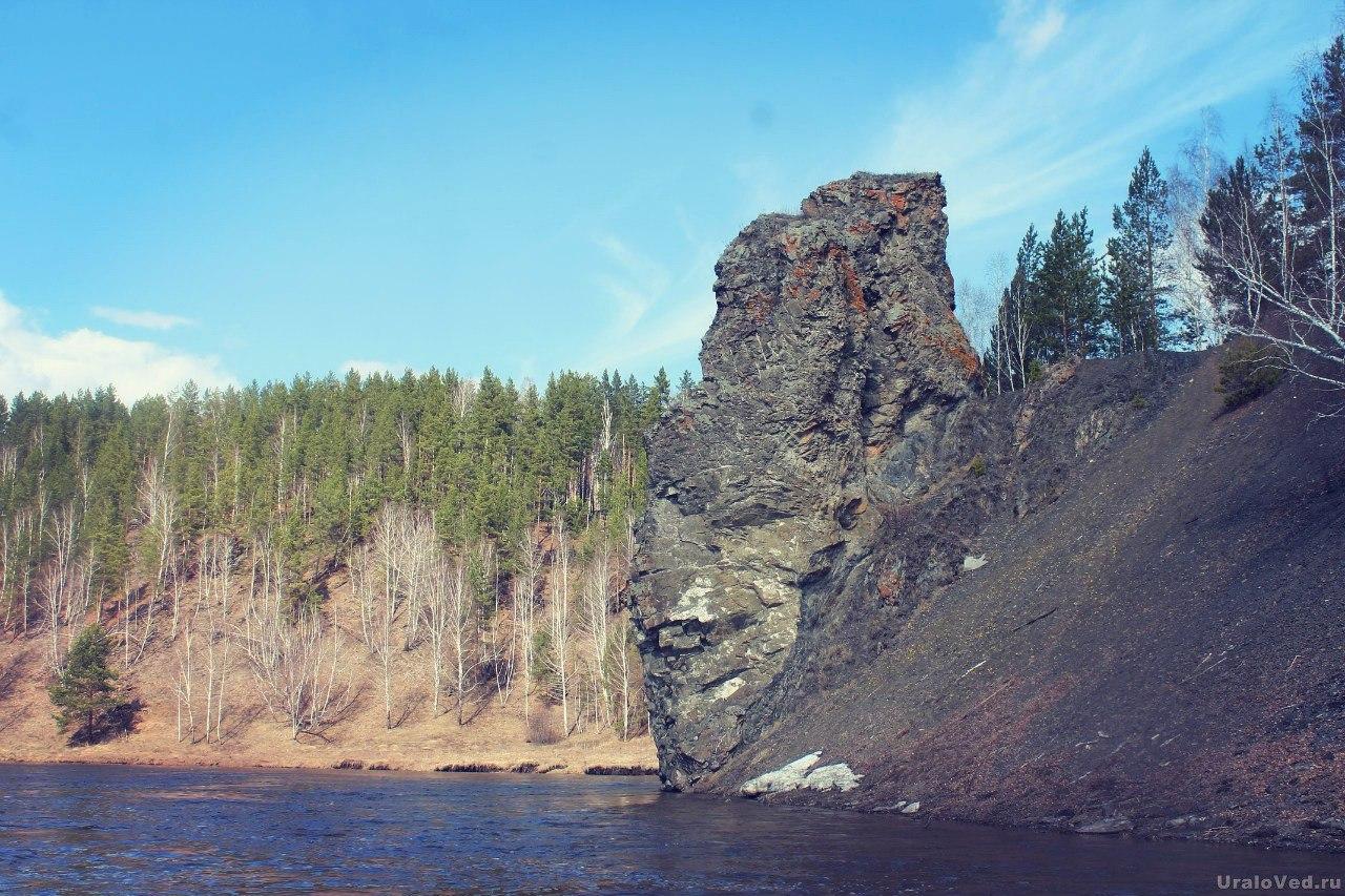 Скала Каменный столб (Смолинский камень)