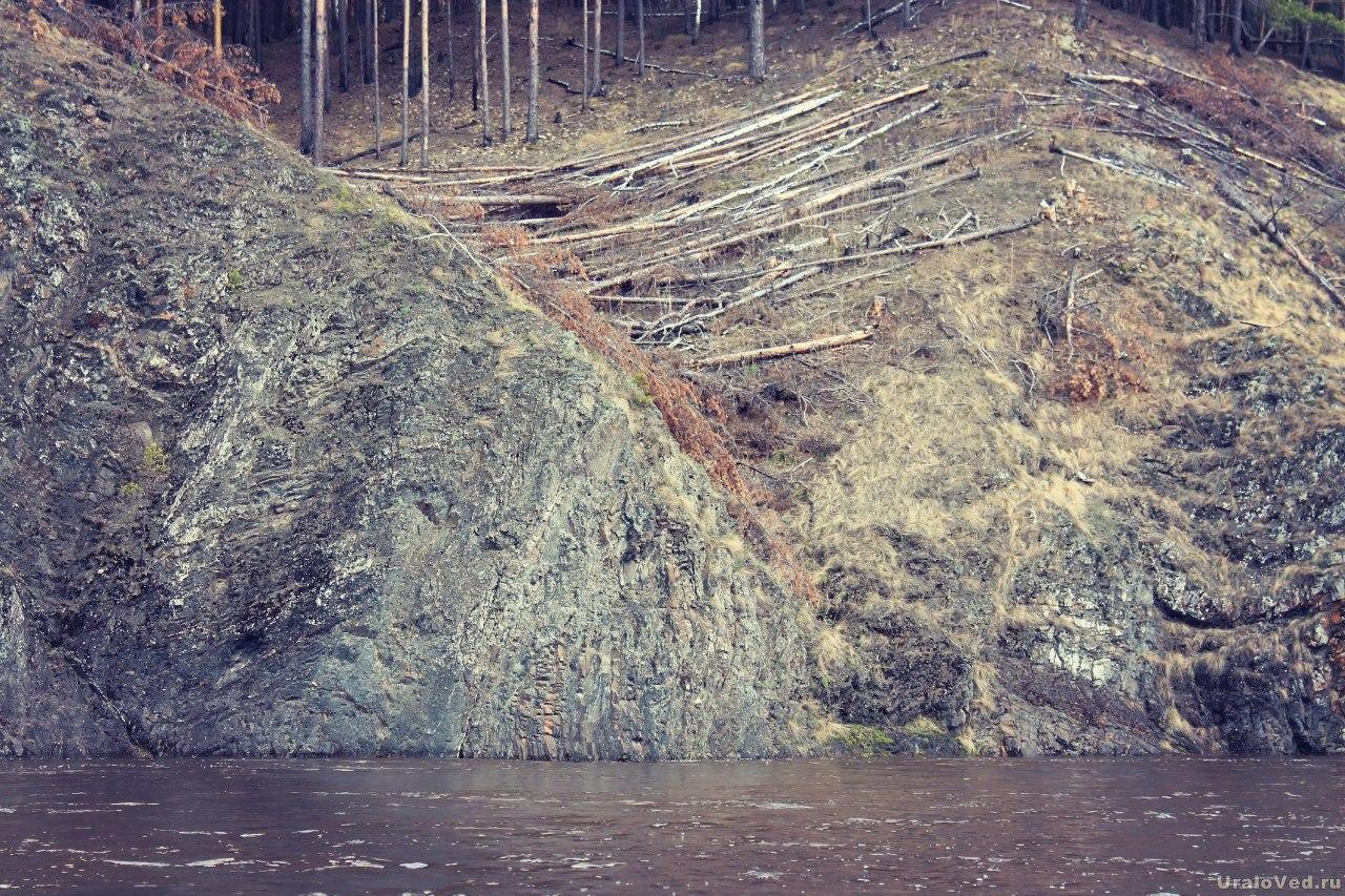 Скалы на Исети