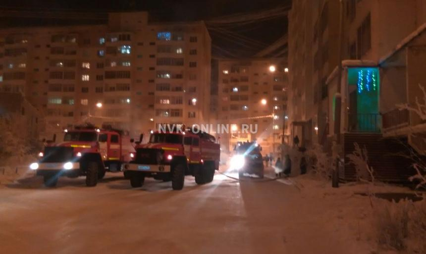 По ул.Петровского в Якутске произошел пожар в 9-ти этажном доме