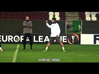 Клопп пробросил между ног Фирмино l vk.com/nice_football