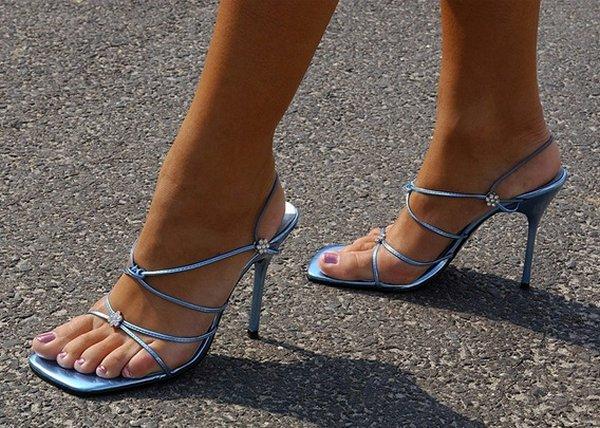 Целовать туфли девушки 20 фотография