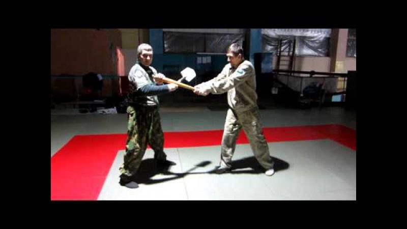 Самозащита сапёрной малой пехотной лопаткой