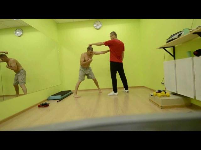 Как бить левой.(передней рукой).. How to throw a jab. Boxing.