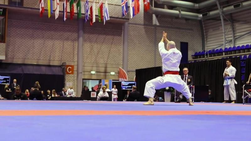Полуфинал мужского индивидуального ката: Сморгунер-Куинтеро