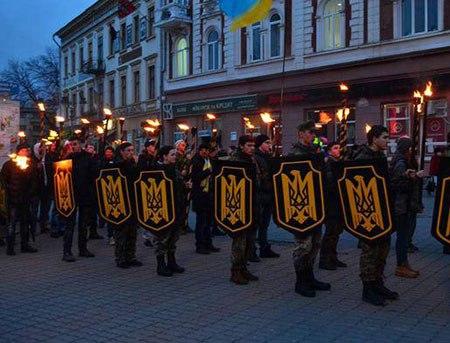 Обыкновенный фашизм: чему киевские власти научились у Гитлера. Мы публикуем выдержки из книги Максима Григорьева «Обыкновенный фашизм».