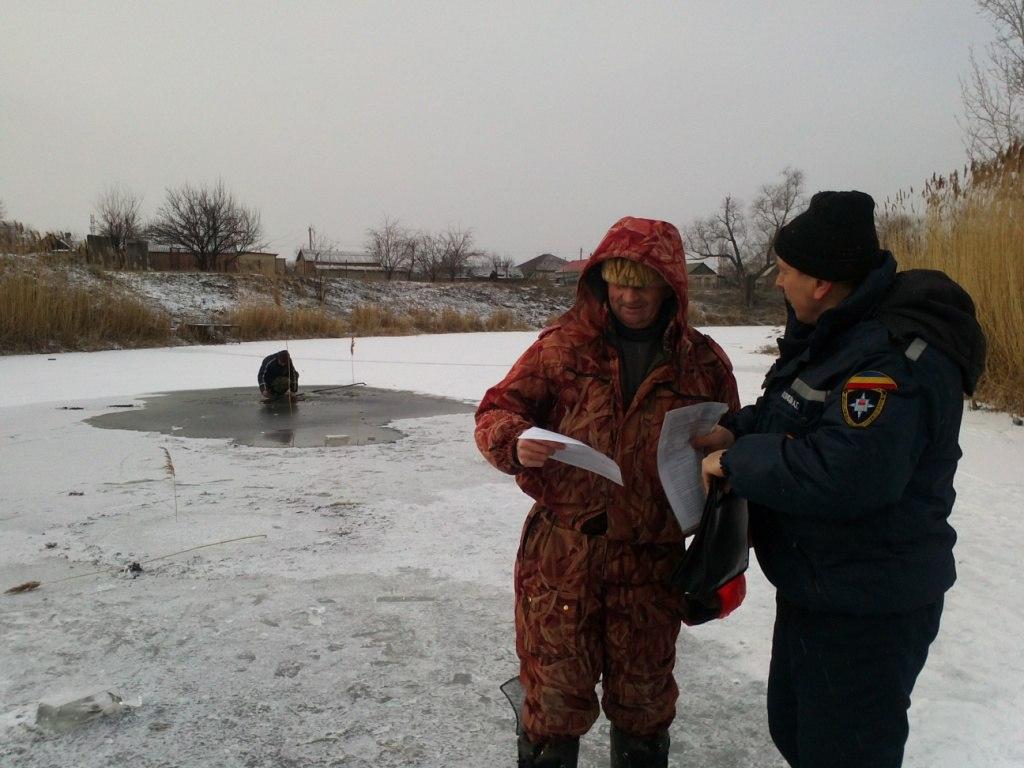 В Ростовской области мужчина провалился под лед