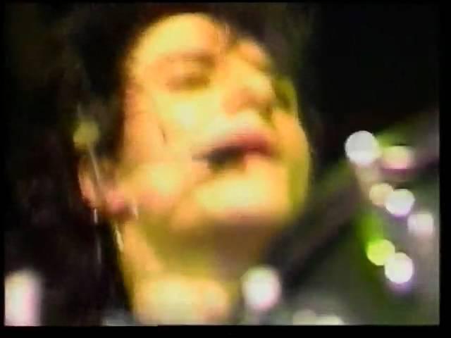 Die Ärzte Live - 1987 - Nach uns die Sintflut - 16 - Helmut K..avi