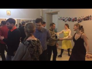 Танцы в клубе Петра и Февронии