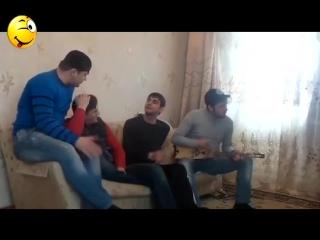 Новая Чеченская Песня 2015. Про Первую Любовь На Балалайке Очень Красивая.
