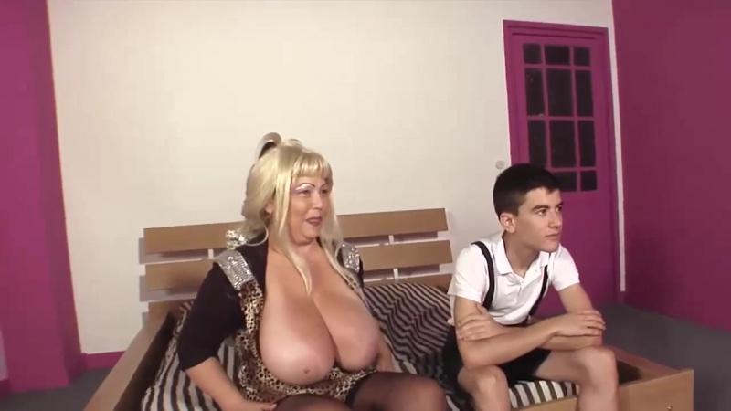Мальчику везёт с полными женщинами в возрасте, granny milf mature old jordi big bubble tits (Инцест со зрелыми мамочками 18+)