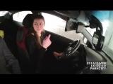 Девушка на вождении, не может ответить инструктору на вопрос: как выглядит знак уступи дорогу?