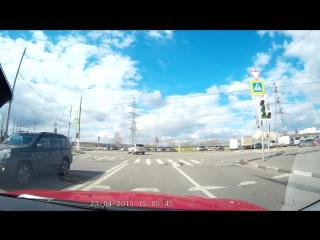 Разворот на перекрестке, ул. Бульвар дд с пересечением ул.старобитцевской