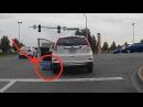Mulher esquece de puxar o freio de mão e é atropelada pelo próprio carro