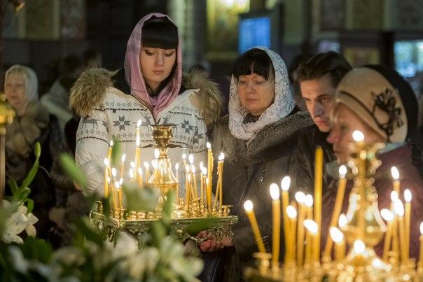 В Краснодаре прошли праздничные рождественские службы