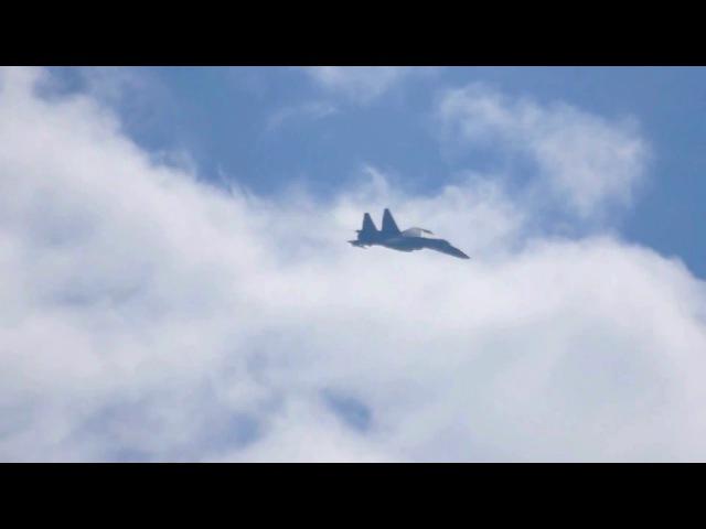 Высший пилотаж на Су-35С - Чакра Фролова, МАКС 2015