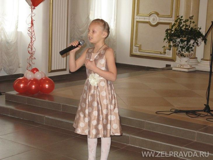 Жительница станицы Зеленчукской стала лауреатом регионального этапа Всероссийского фестиваля-конкурса «Хрустальные звёздочки»