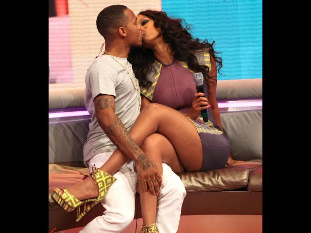 Tyra Banks Bow Wow Unexpectedly Kiss LIVE On 106 Park