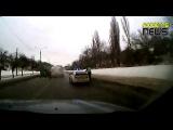18+ Видео с регистратора ДТП скорой помощи и автобуса в Харькове