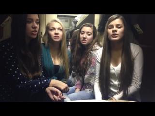 Девушки нереально красиво поют в поезде