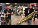 Нереальные уличные музыканты в Нью Йоркском метро