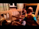 Как 9 человек( папа и 8 детей) собирали кровать трансформер Зарина.