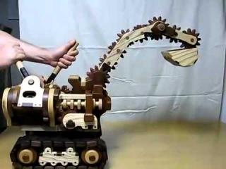 Детская игрушка экскаватор деревянный своими руками.mp4