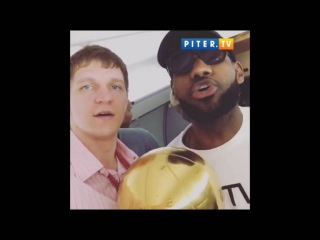 Привет Матушке России от Тимофея Мозгова и ЛеБрона Джеймса! #NBANews #NBAFinals #NBAChampions #NBA
