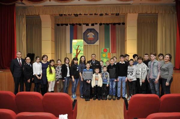 Главный автоинспектор Татарстана Рифкат Минниханов встретился с воспитанниками Чистопольского детдома