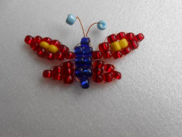 Виготовлення сувеніру Метелик з бісеру.