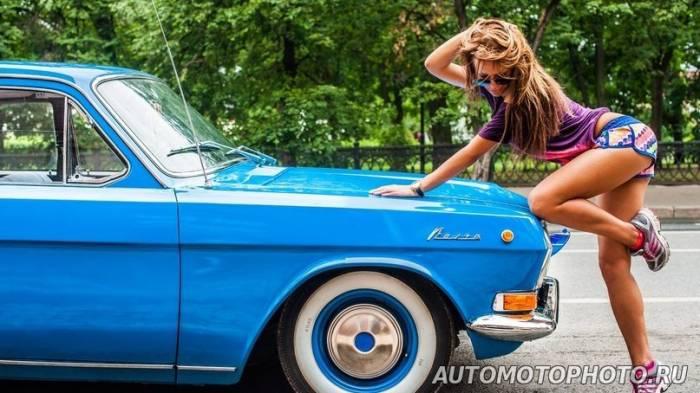 Красивые девушки фоткаюца около машин фото 717-725